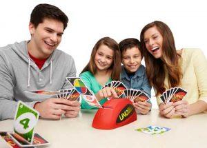 Juego Uno: Como jugar, Reglas y Versiones del Juego de Cartas